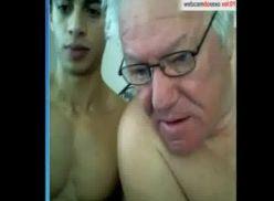 Coroa e outros novinhos na webcam.