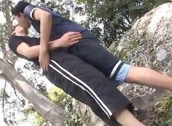 Sexo gay amador na cachoeira.