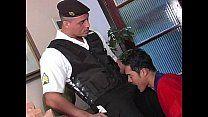 Putinho deu pro policial maduro