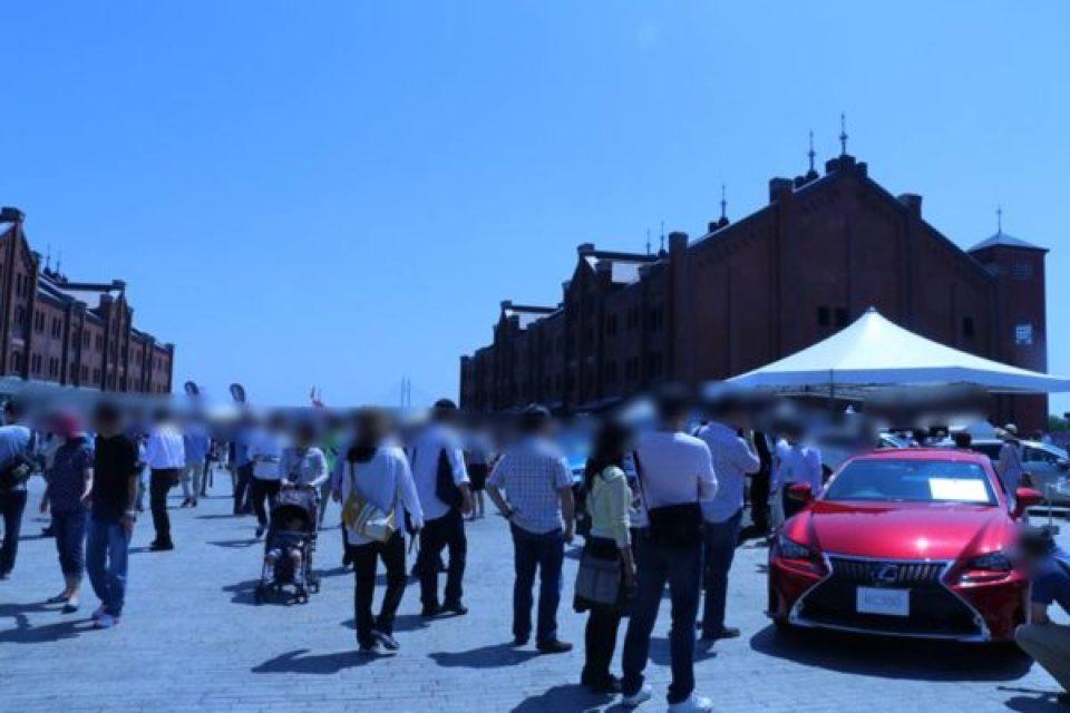赤レンガで開かれたルボランのカーミーティング