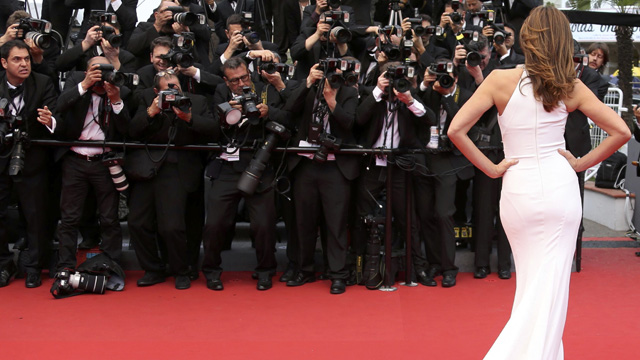 Model Cindy Crawford poses on the red carpet as she arrives for the screening of the film 'The Great Gatsby' and for the opening ceremony of the 66th Cannes Film Festival in Cannes May 15, 2013. The Cannes Film Festival runs from May 15 to May 26. REUTERS/Regis Duvignau (FRANCE - Tags: ENTERTAINMENT FASHION) ORG XMIT: SAA199