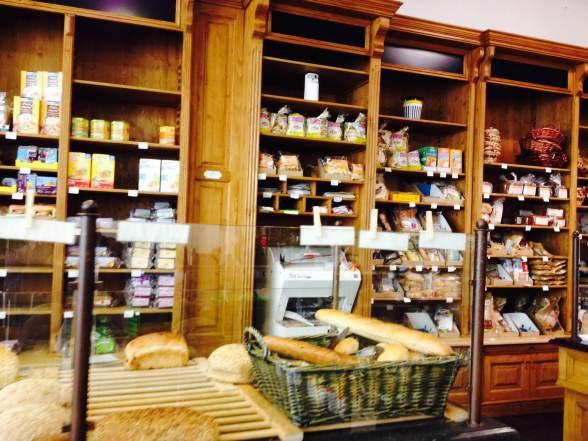 Padaria do mercado de produtos orgânicos e naturais na Antuérpia