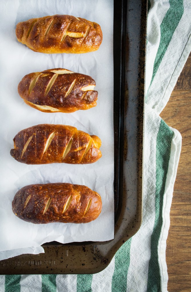 Pretzel Hot Dog Buns