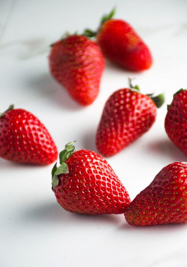 Strawberries & Cream Cheesecake Cupcakes