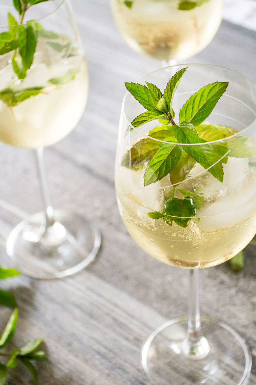 Hugo Getränk Rezept The Hugo Prosecco Elderflower Mint