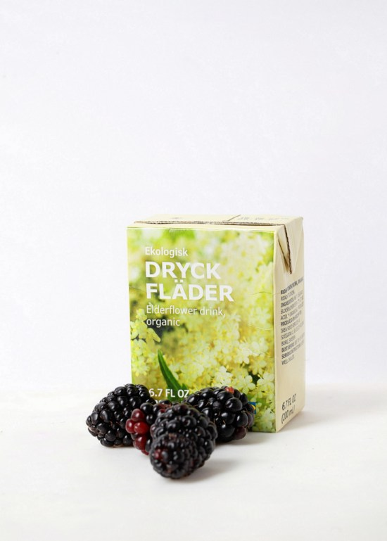Blackberry Elderflower Macarons - Posh Little Designs