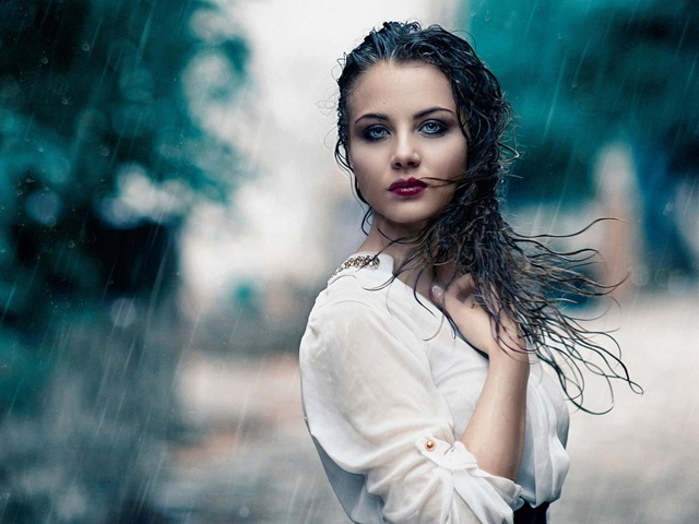 How-to-Get-Waterproof-Makeup-That-will-Last-in-Rain
