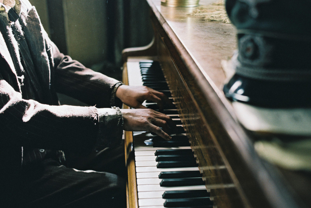 der-pianist-adrien-brody-roman-polanski-rezension