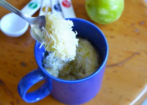 Mug Cake de Limón y Coco - Macadamia y Sal