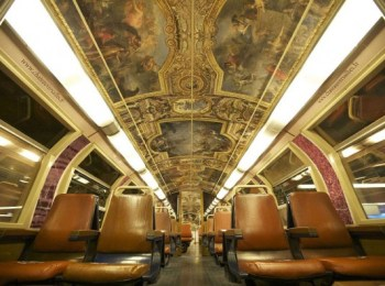 parisian-rer-train-transformed-like-versailles-600x396