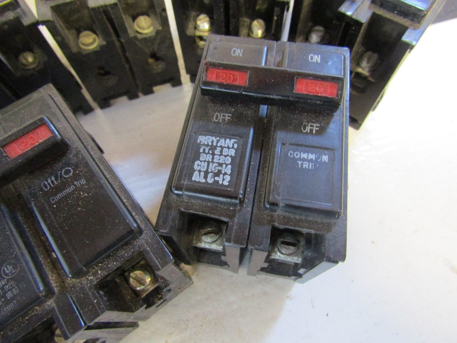 Westinghouse 20 Amp 2 Pole Circuit Breaker Br220 Ua Auto Eaton Cutler Hammer Bab1020 Quicklagr 120 Lot Of 10 Challenger Bryant