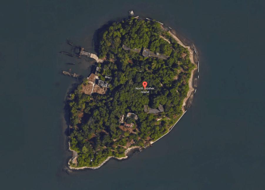 Остров Норт-Бразер (North Brother).