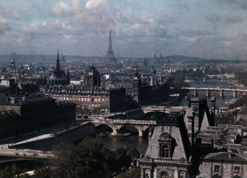 Вид на Париж из храма Сен-Жерве.