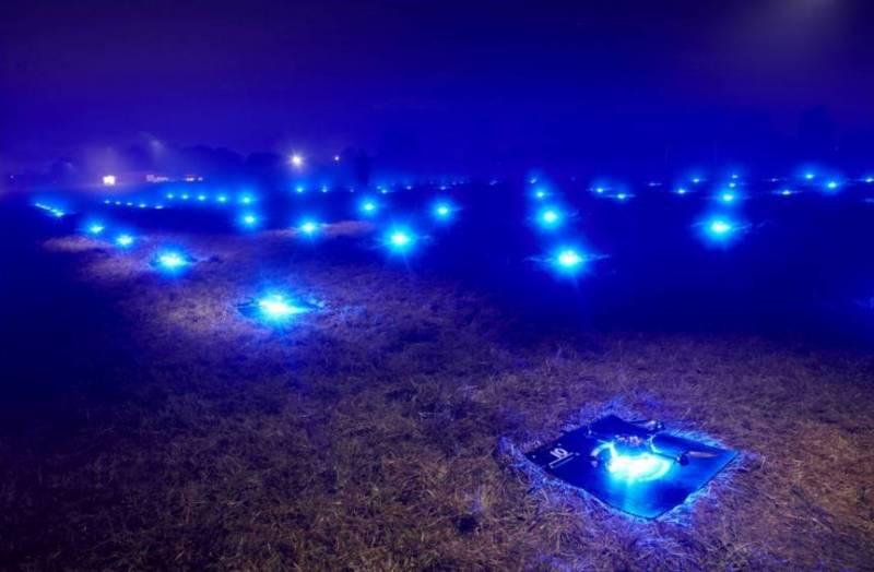 100 Dancing Drones .