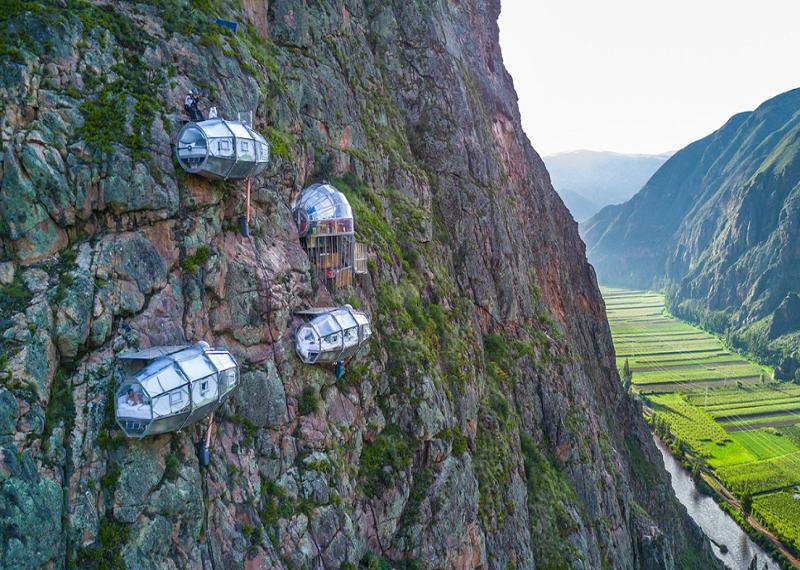 Skylodge Adventure Suites, отель над пропастью, отель-капсула в Перу, необычные отели, прозрачный отель