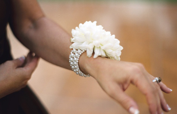 Carnation Flower Corsage Creative Wrist Corsage - Praise Wedding