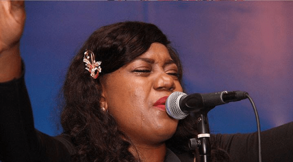 rosemary-ayoko-in-worship