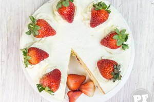 Bolo de Morango e Chantilly (Japanese Strawberry Shortcake)