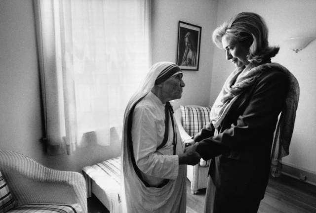 hillary-clinton-meets-with-mother-teresa