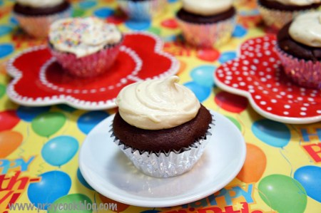 irish-cre-cupcake-closeup.jpg