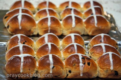 hot cross bun 2 dozen