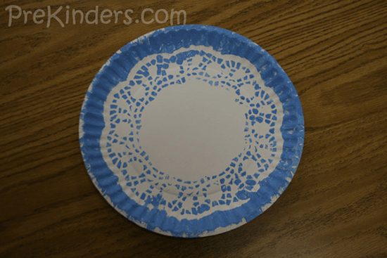 Cr Gibson Christmas Holiday Dining Party Paper Plates & Snowflake Paper Plates - Castrophotos