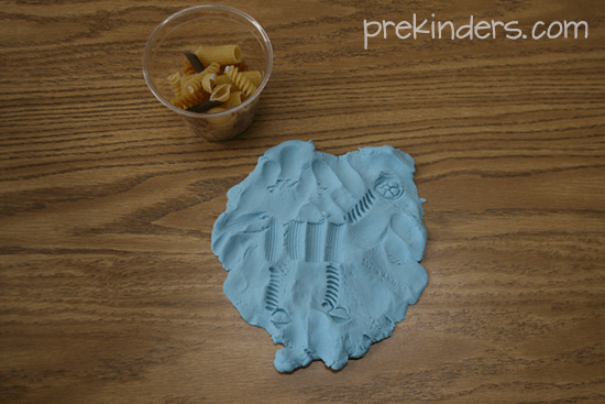 Cookie Cutters Play Dough Ideas - Prekinders