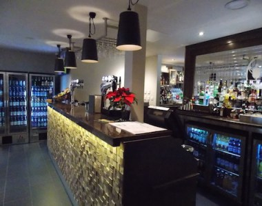 Loks Bar & Kitchen