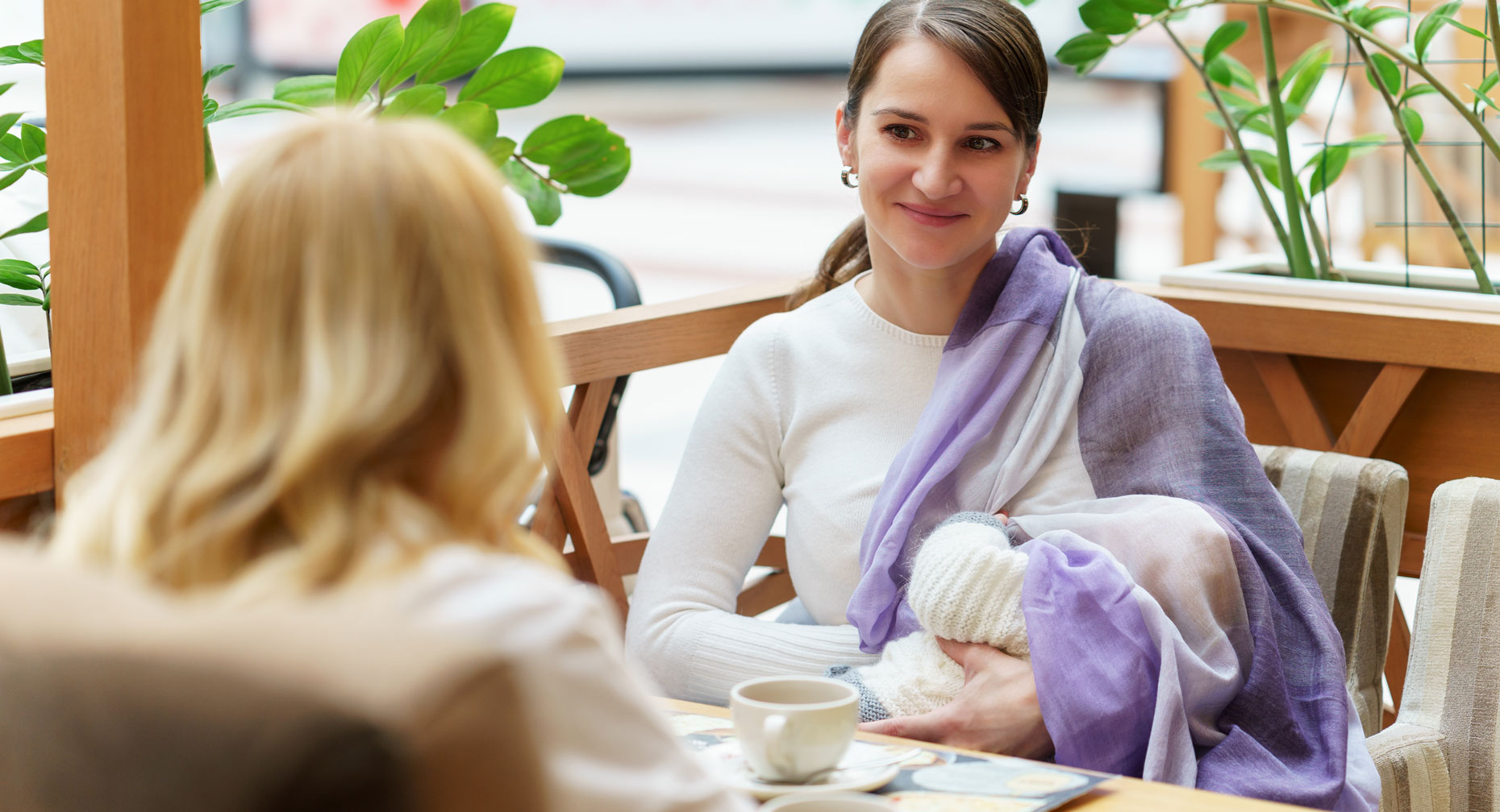 Public Tips Helpful Tips To Feel Confident While Breastfeeding In Public L