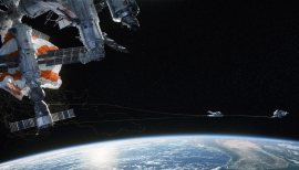 Gravity-©-2013-Warner-Bros.(13)