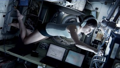 Gravity-©-2013-Warner-Bros.(3)