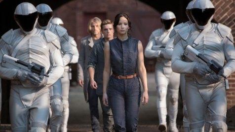 Die Tribute von Panem - Catching Fire (Sci-Fi Action). Regie: Francis Lawrence. 21.11.