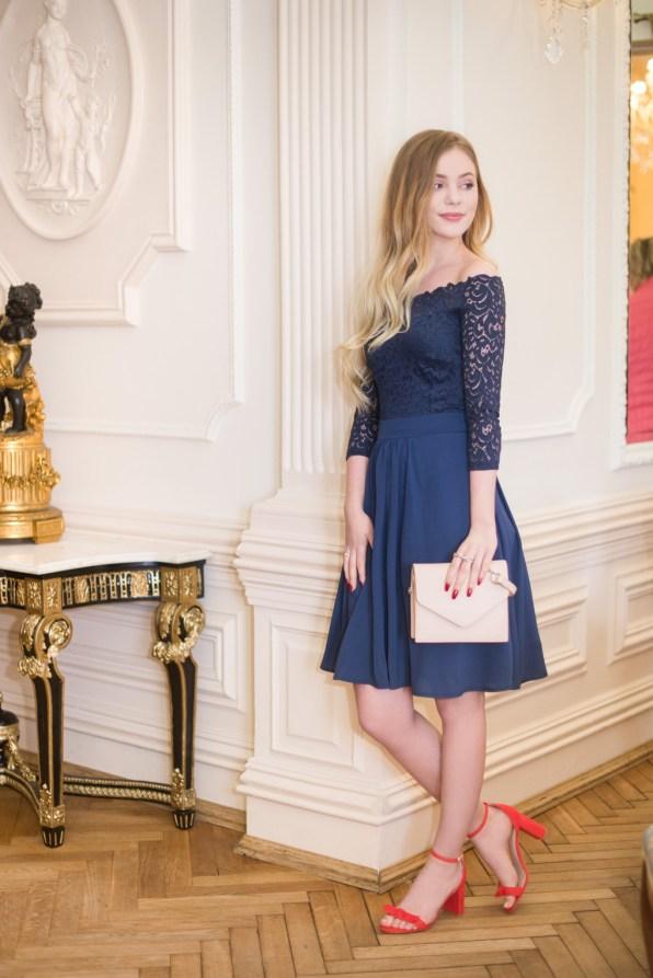 6. Sukienka – Orsay, 159,99 złotych, Buty – H&M, 139,090 złotych Torebka - Pull&Bear, 59,90 złotych