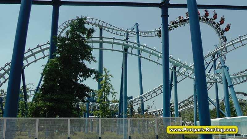Pretpark Gardaland Gardameer - Blue Tornado achtbaan