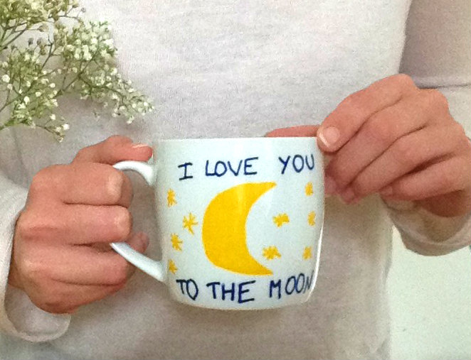 diy mug de st valentin i love you to the moon and back prettylittletruth blog lifestyle. Black Bedroom Furniture Sets. Home Design Ideas