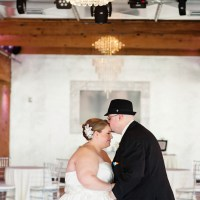{Real Plus Size Wedding} Elegant and Chic Affair in Minnesota | J. Stoia Portrait Design