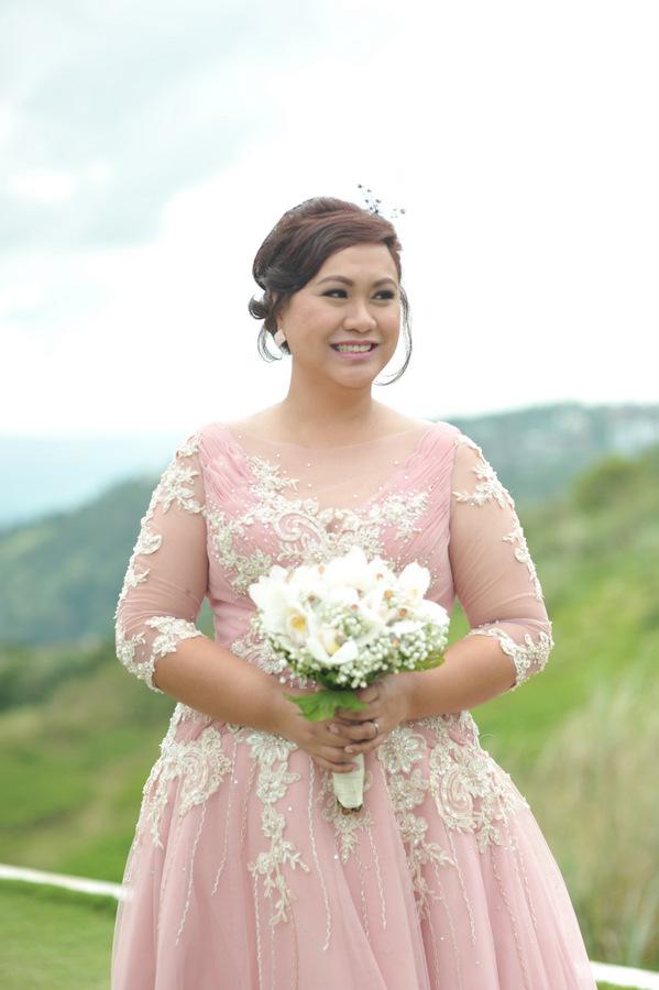 Real wedding outdoor garden wedding in philippines for Civil wedding dress philippines