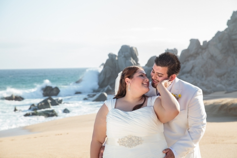 plus size bride, destination wedding, beach wedding