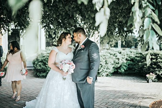 REAL WEDDING | Blush, Ivory, Champagne and Rose Gold Illinois Wedding | Roni Rose Photography