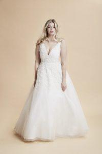 FASHION FRIDAY  PLUS SIZE WEDDING DRESS OF THE DAY