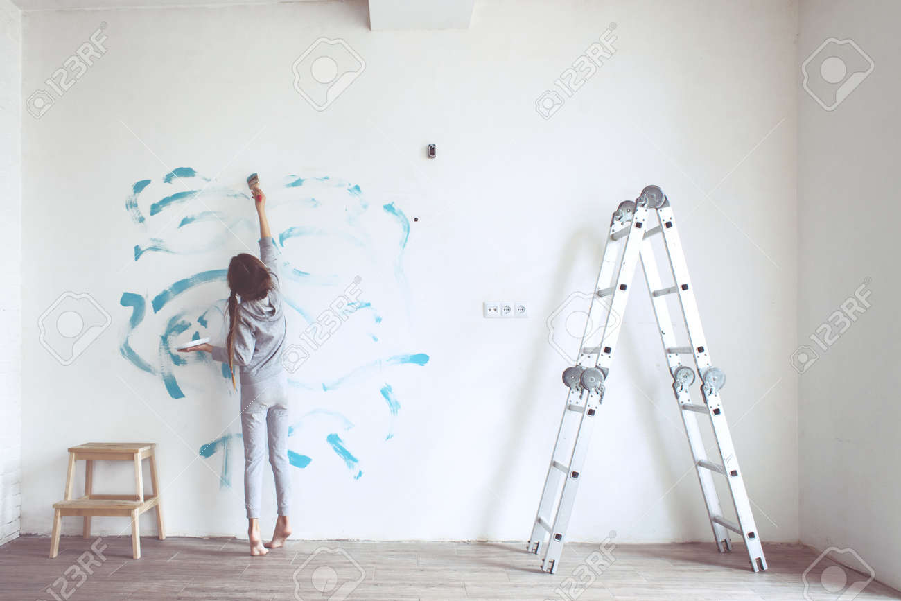 Bild Auf Wand Malen Stock Photo