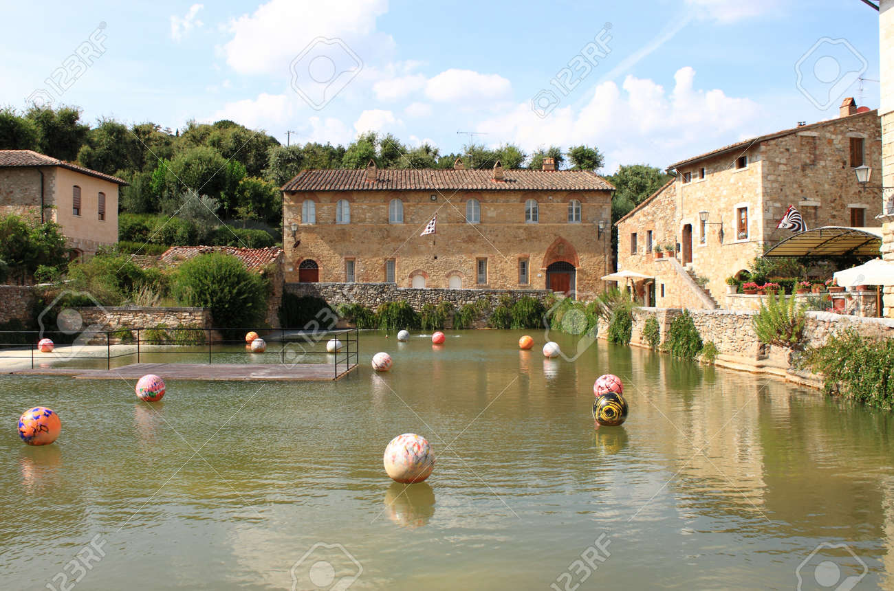 Bagno Vignoni Free Thermal Baths Old Thermal Baths In The Medieval Village Of Bagno Vignoni Tuscany