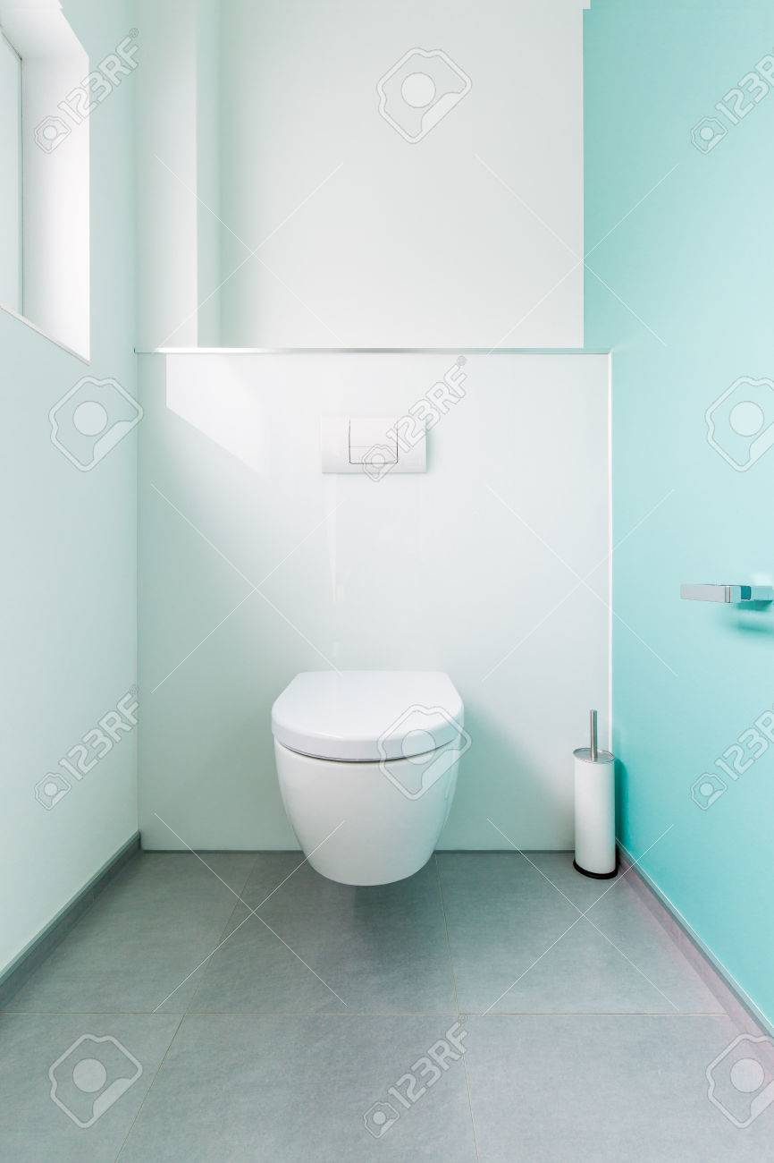 Gästetoilette Modern Modern Guest Toilet In A Family Home Stock Photo, Picture And Royalty Free Image. Image 51541525.