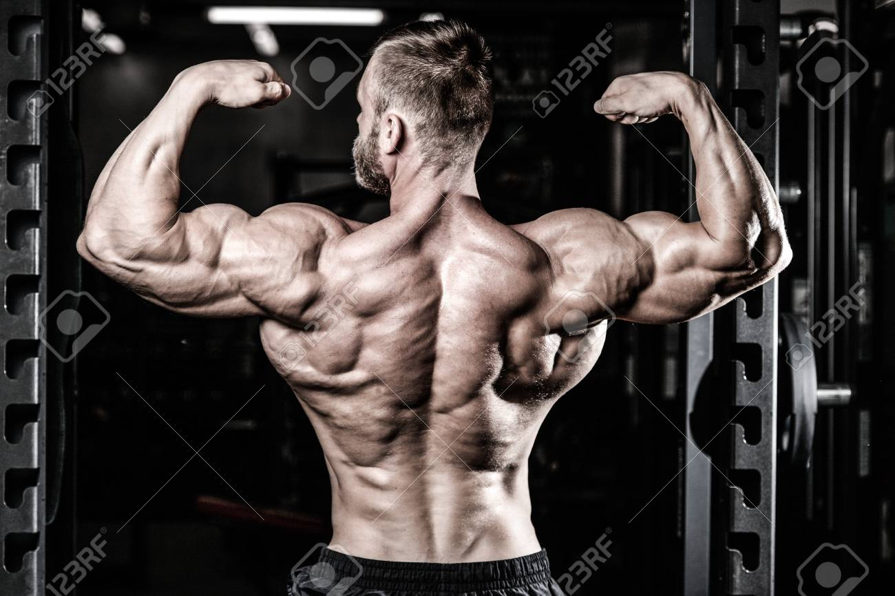 Muskel Training Handsome Power Athletic Man On Diet Training Pumping Up Back