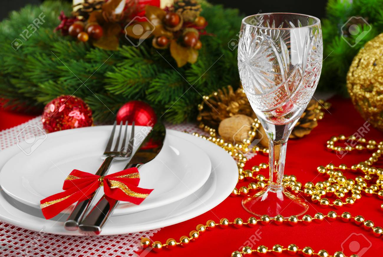 Decoration Nappe De Table Table Setting With Christmas Decoration On Red Tablecloth Background