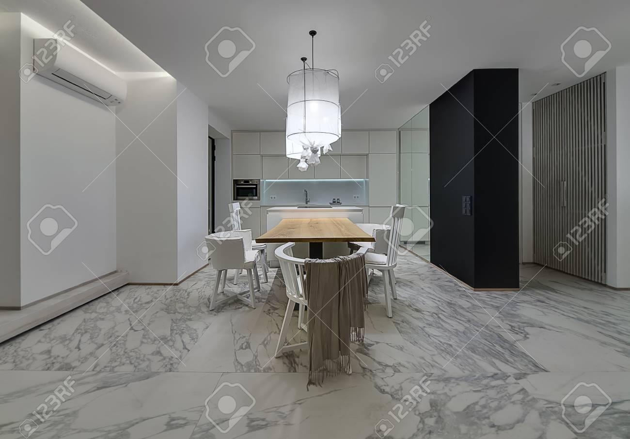 Cucina con piastrelle grigie piastrelle effetto pietra per bagno