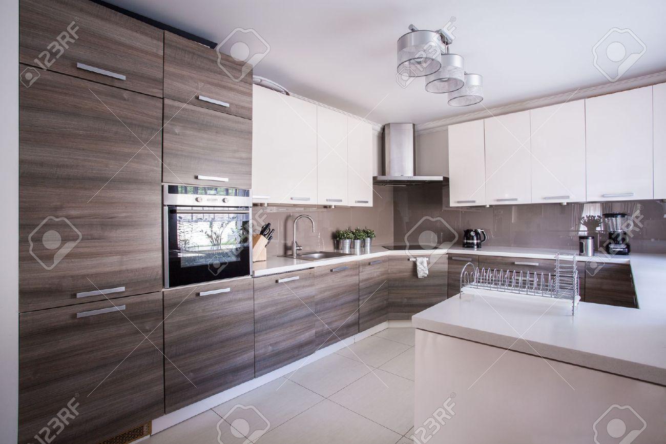 Cuisine Luxueuse Moderne | Cuisine Luxueuse Dans L Appartement ...