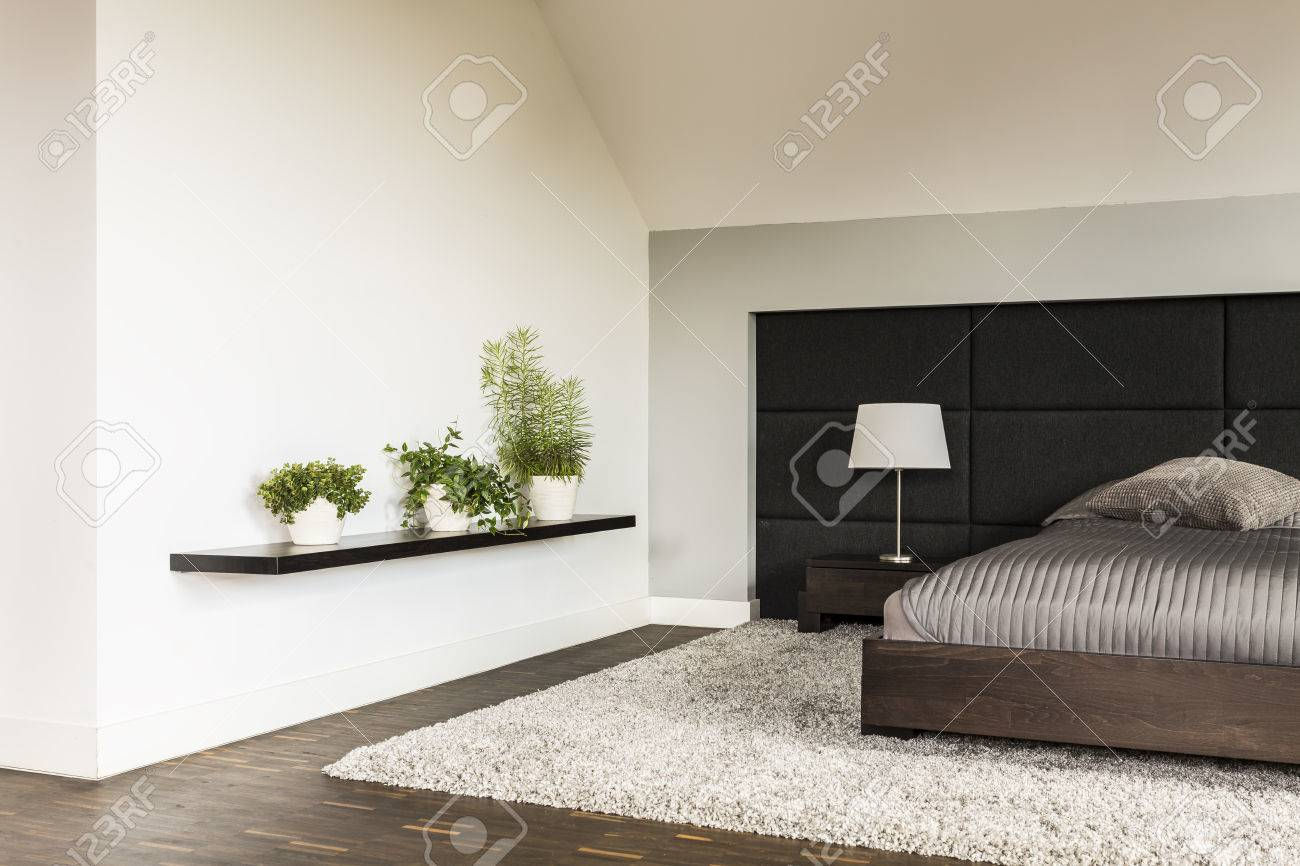 Wandregal Schlafzimmer Stock Photo