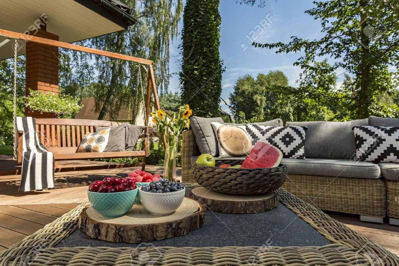 Couchtisch Holz Rattan Stock Photo