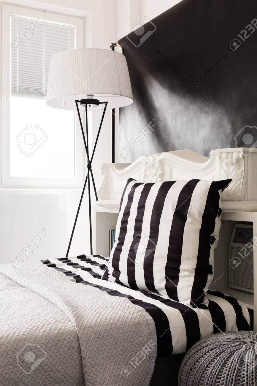Schlafzimmer Stehlampe Stock Photo